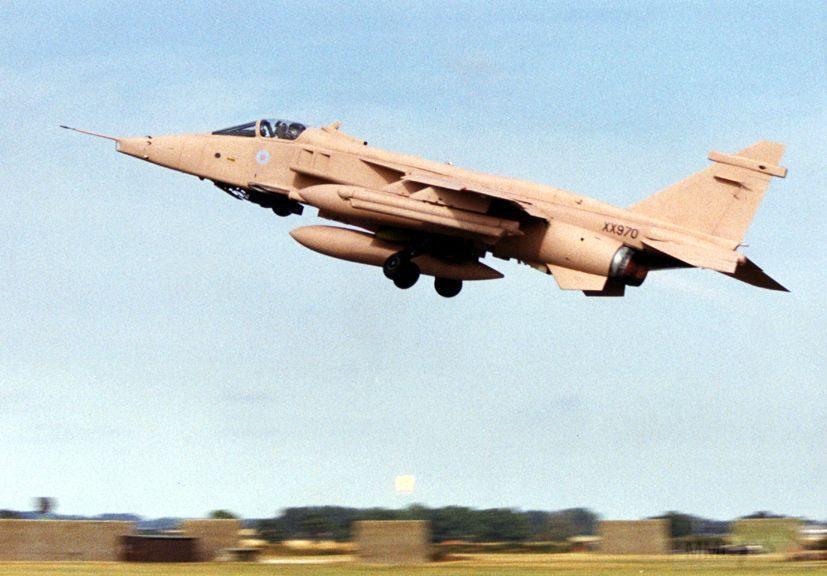 """8733 - Британские самолеты Jaguar GR-1A в операции """"Буря в пустыне"""" 1991 г."""