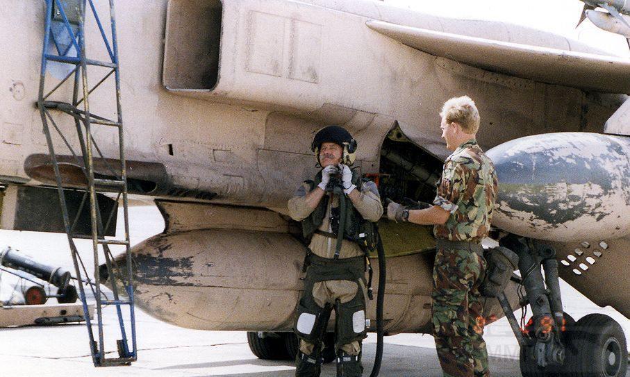 """8738 - Британские самолеты Jaguar GR-1A в операции """"Буря в пустыне"""" 1991 г."""