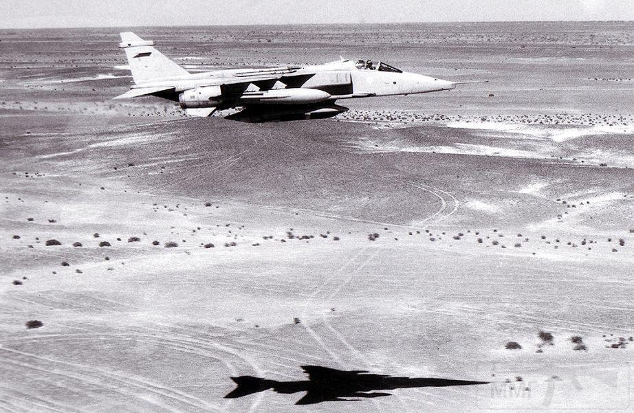 """8743 - Британские самолеты Jaguar GR-1A в операции """"Буря в пустыне"""" 1991 г."""