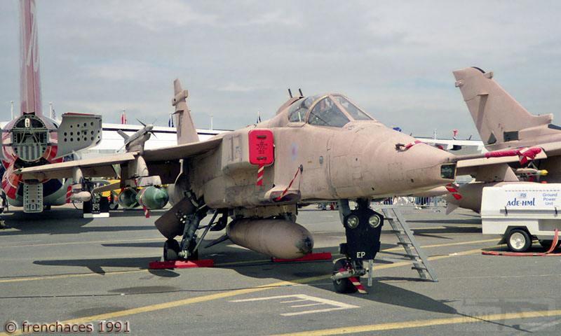 """8761 - Британские самолеты Jaguar GR-1A в операции """"Буря в пустыне"""" 1991 г."""