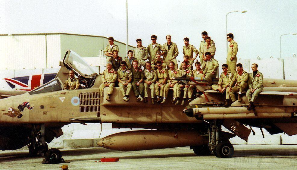 """8801 - Британские самолеты Jaguar GR-1A в операции """"Буря в пустыне"""" 1991 г."""