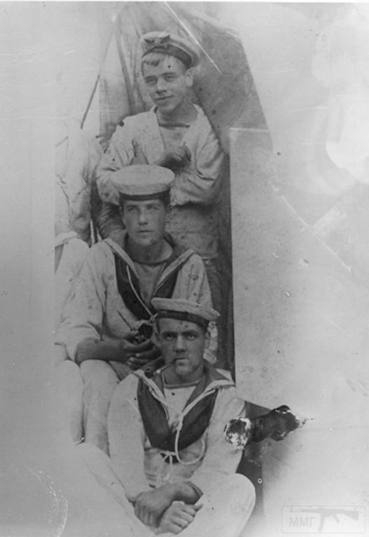8878 - Royal Navy gun crew, 1910