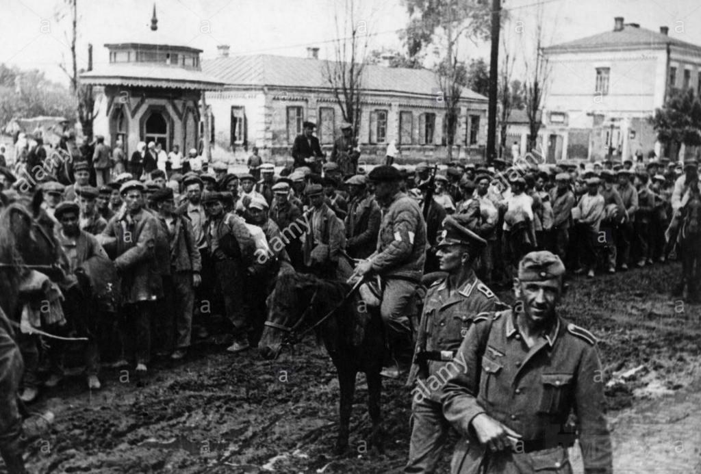 8909 - Оккупированная Украина в фотографиях