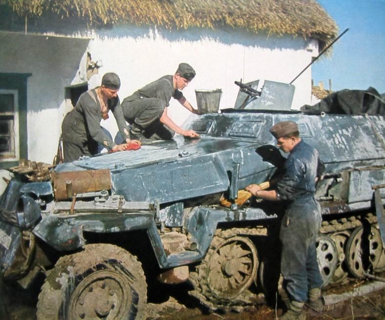 9015 - Оккупированная Украина в фотографиях