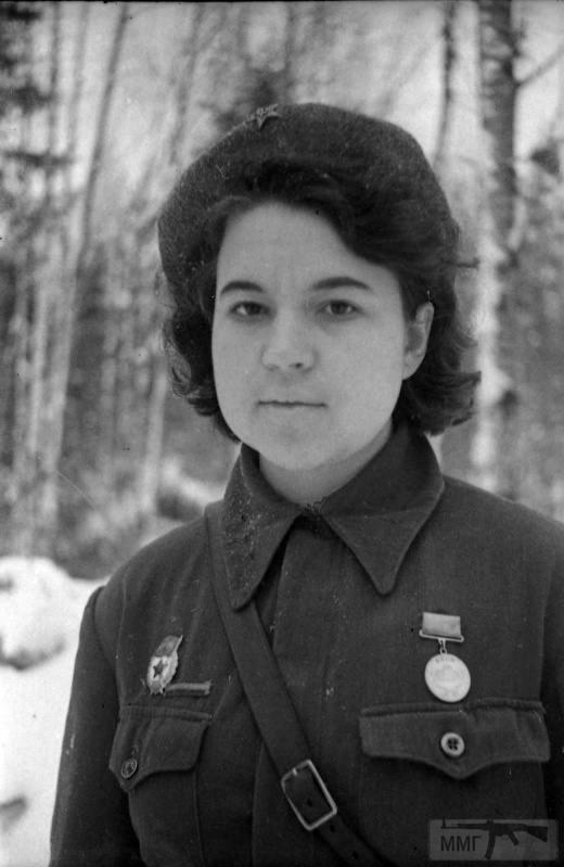 90561 - Женщины на войне.