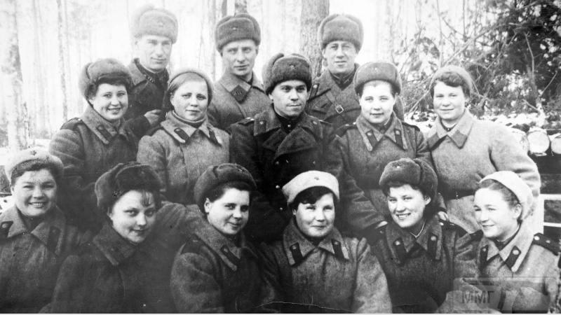 91196 - Женщины на войне.