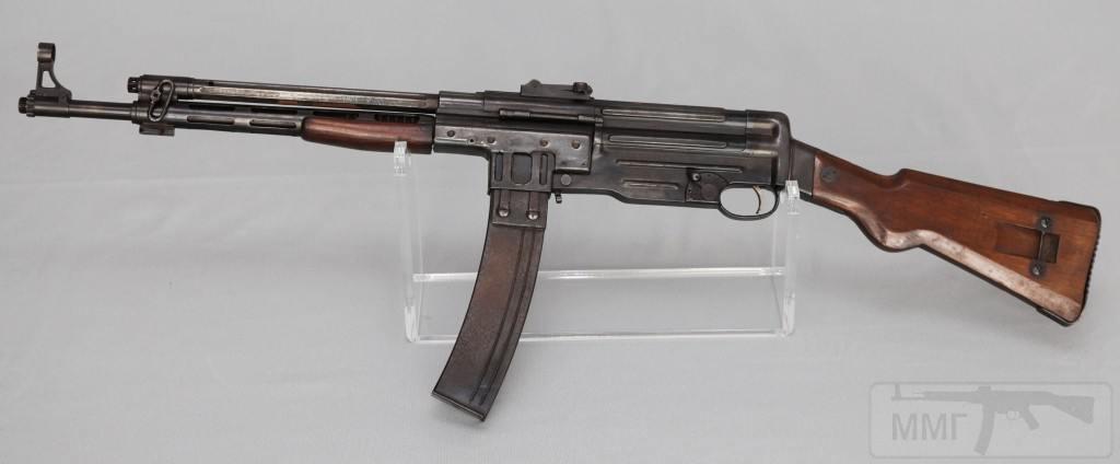 9138 - Fusil Asalto CB-51, in 7.92x33mm (left)