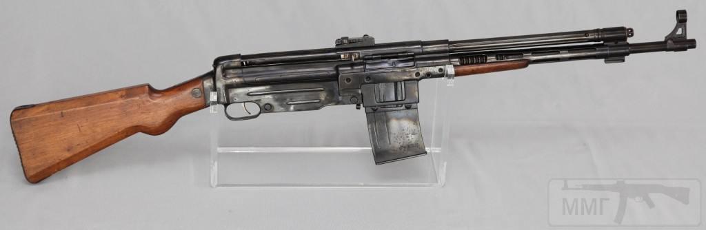 9141 - Fusil Asalto CB-51, in 7.92x40mm (right)