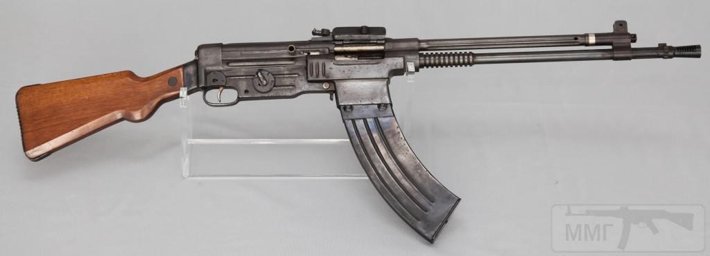 9143 - Fusil Asalto CB-52, in 7.92x51mm (right)