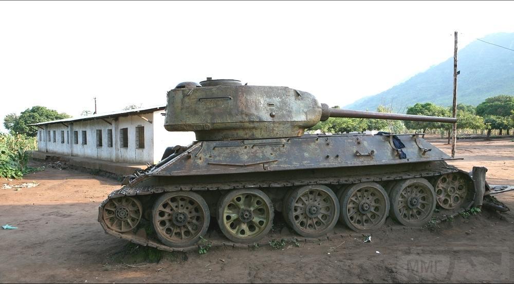 9165 - Послевоенное использование советской бронетехники WW2