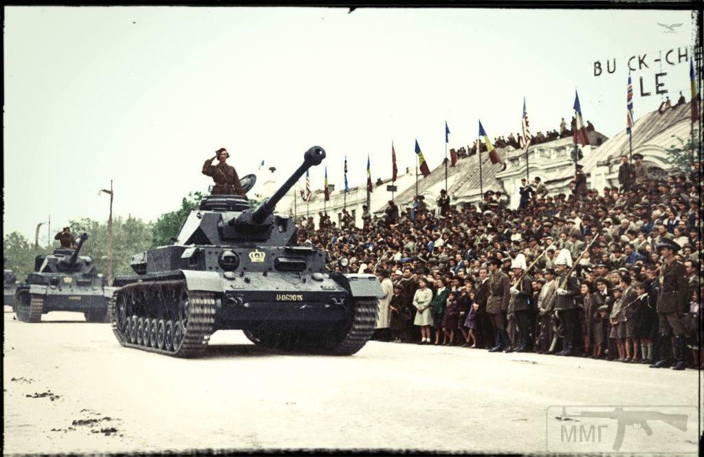 """92219 - Служба немецких """"коробочек"""" после войны..."""