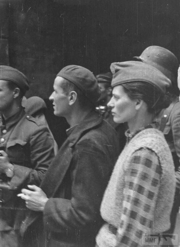 92463 - Женщины на войне.