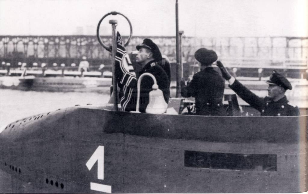 932 - Волчьи Стаи - Германские подводные лодки двух мировых войн
