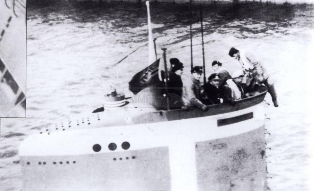 933 - Волчьи Стаи - Германские подводные лодки двух мировых войн