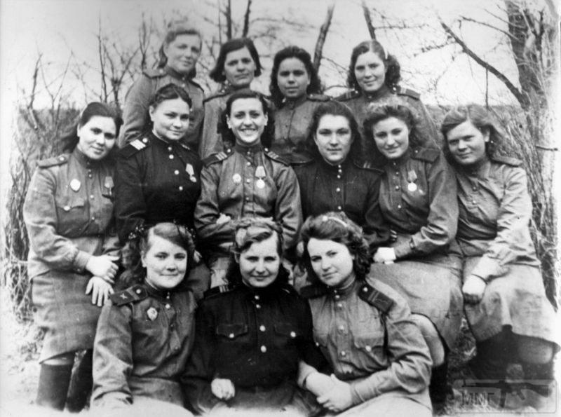 93829 - Женщины на войне.