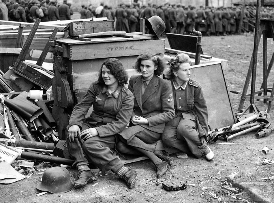 94109 - Женщины на войне.