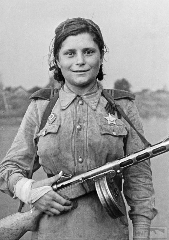 94638 - Женщины на войне.