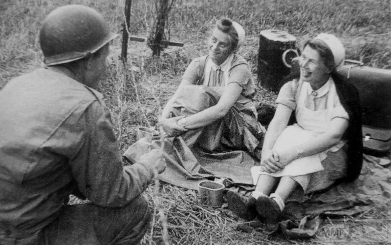 94972 - Женщины на войне.