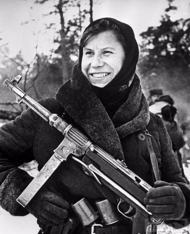 98626 - Женщины на войне.